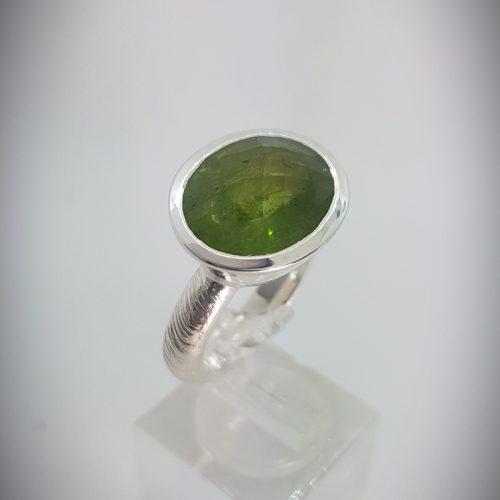 Anello Fatto a mano Argento 925 e Pietra Ovale colore verde- modello Rosmarino -