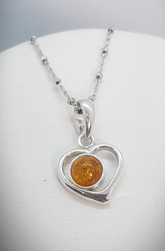 Cuoricino in ambra e argento