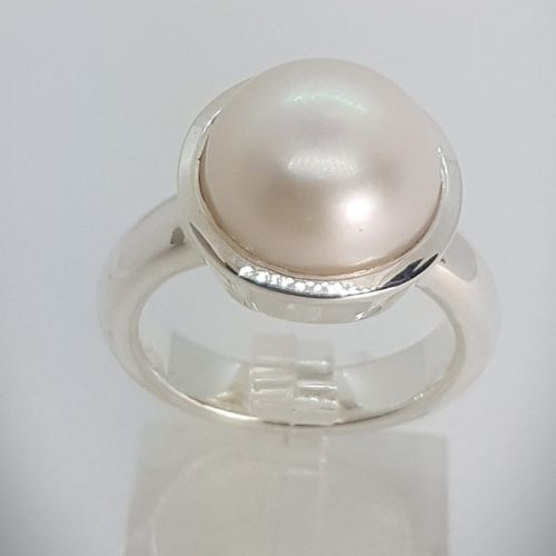 Sterling Silver Ring with Natural Freshwater Pearl