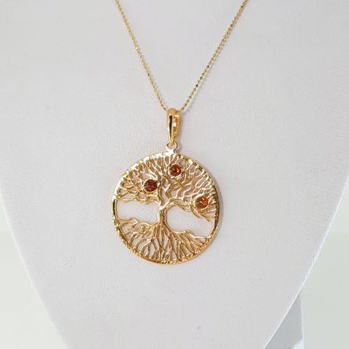 Sterling silver pendant wiyh amber